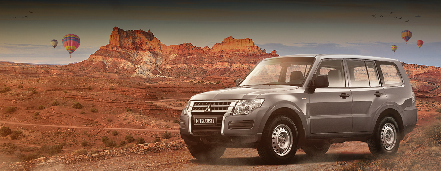 mitsubishi-pajero-in-a-red-desert
