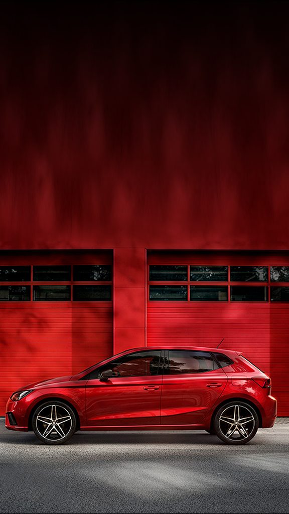 seat-leon-parked-with-matching-red-background