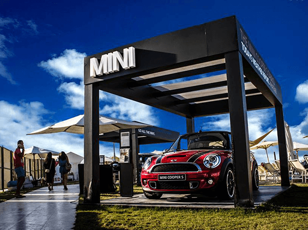 mini-egypt-cooper-s-activation-summer-display-photo